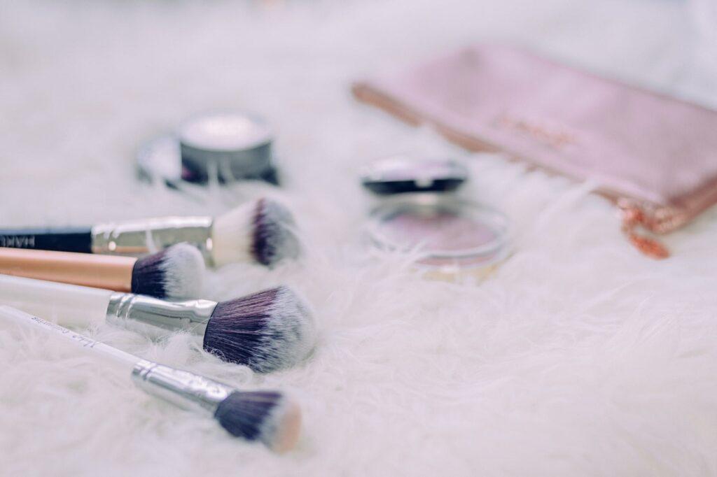 Brochas de maquillaje factory236 reposando